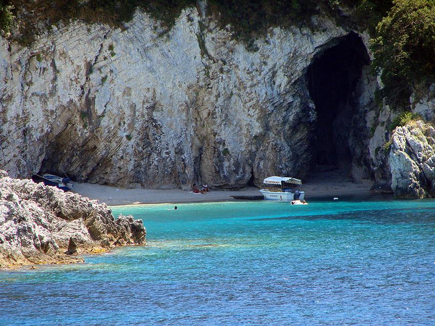 Rovinia beach - Liapades Corfu - A full guide to Liapades